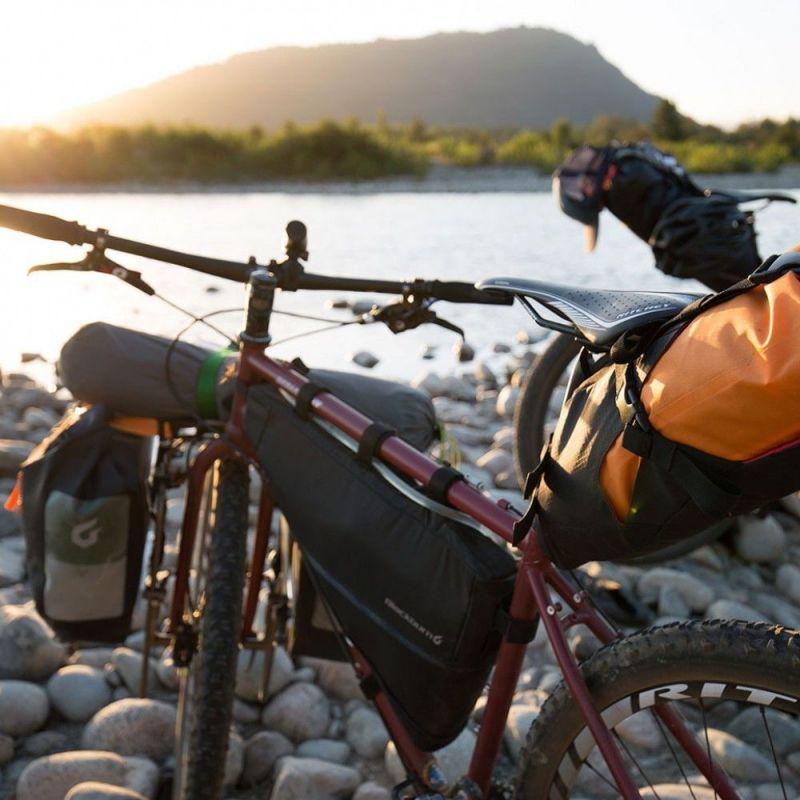 Sacoche de cadre bikepacking Blackburn Outpost L - 5,25/6,95 L Noir - 4