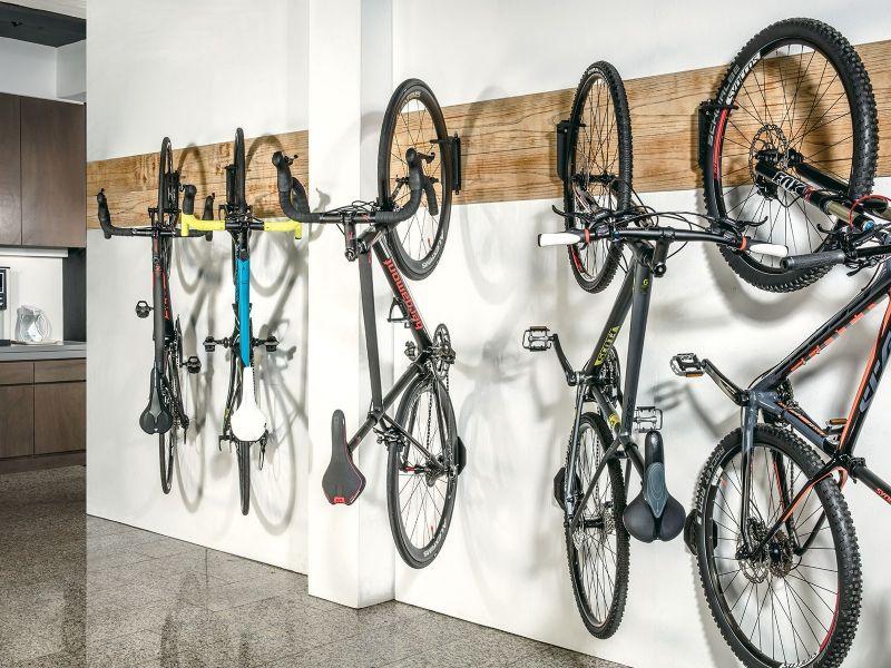support mural v lo topeak swing up ex sur ultime bike. Black Bedroom Furniture Sets. Home Design Ideas