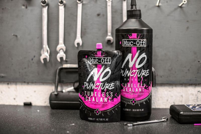 Liquide préventif anti crevaison Muc-Off No Puncture 1 L - 3