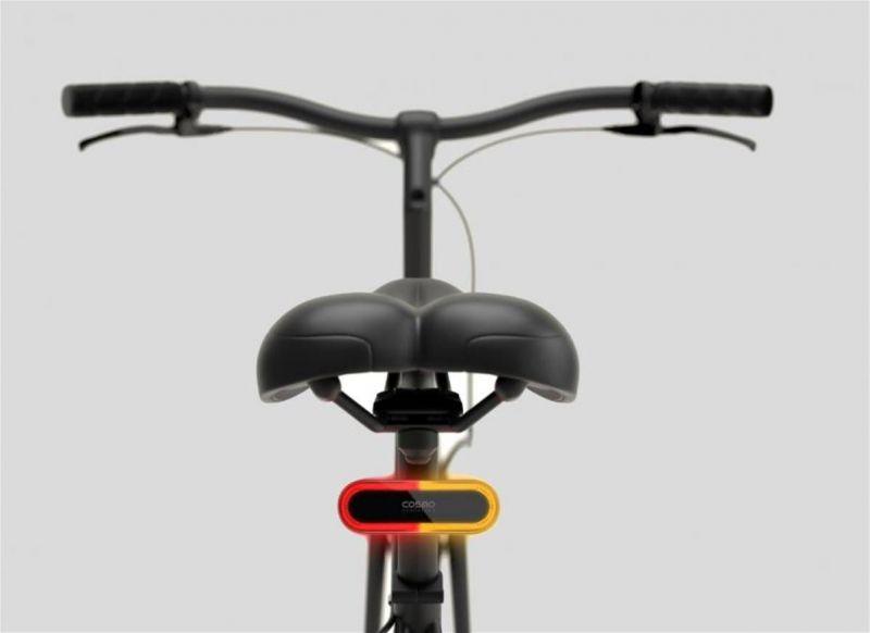 Feu arrière connecté Cosmo Connected Bike avec télécommande - 1