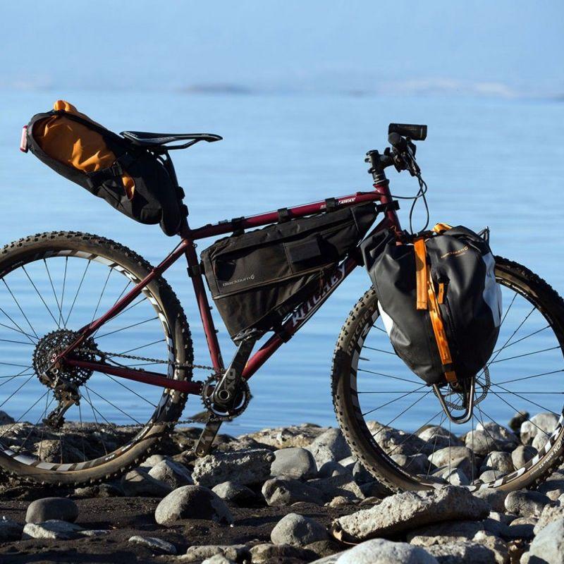 Sacoche de cadre bikepacking Blackburn Outpost L - 5,25/6,95 L Noir - 3