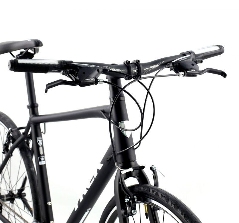 Vélo fitness Trek 7.3 FX (Matte Trek Black/Trek White) 2016 - 2