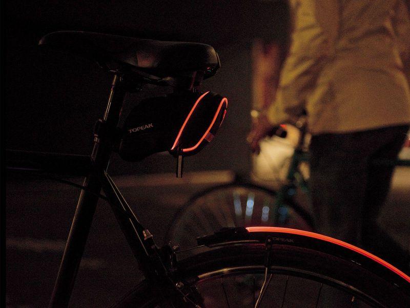 Sacoche de selle lumineuse Topeak Aero Wedge iGlow (QuickClick) 0,8 L Noir - 2