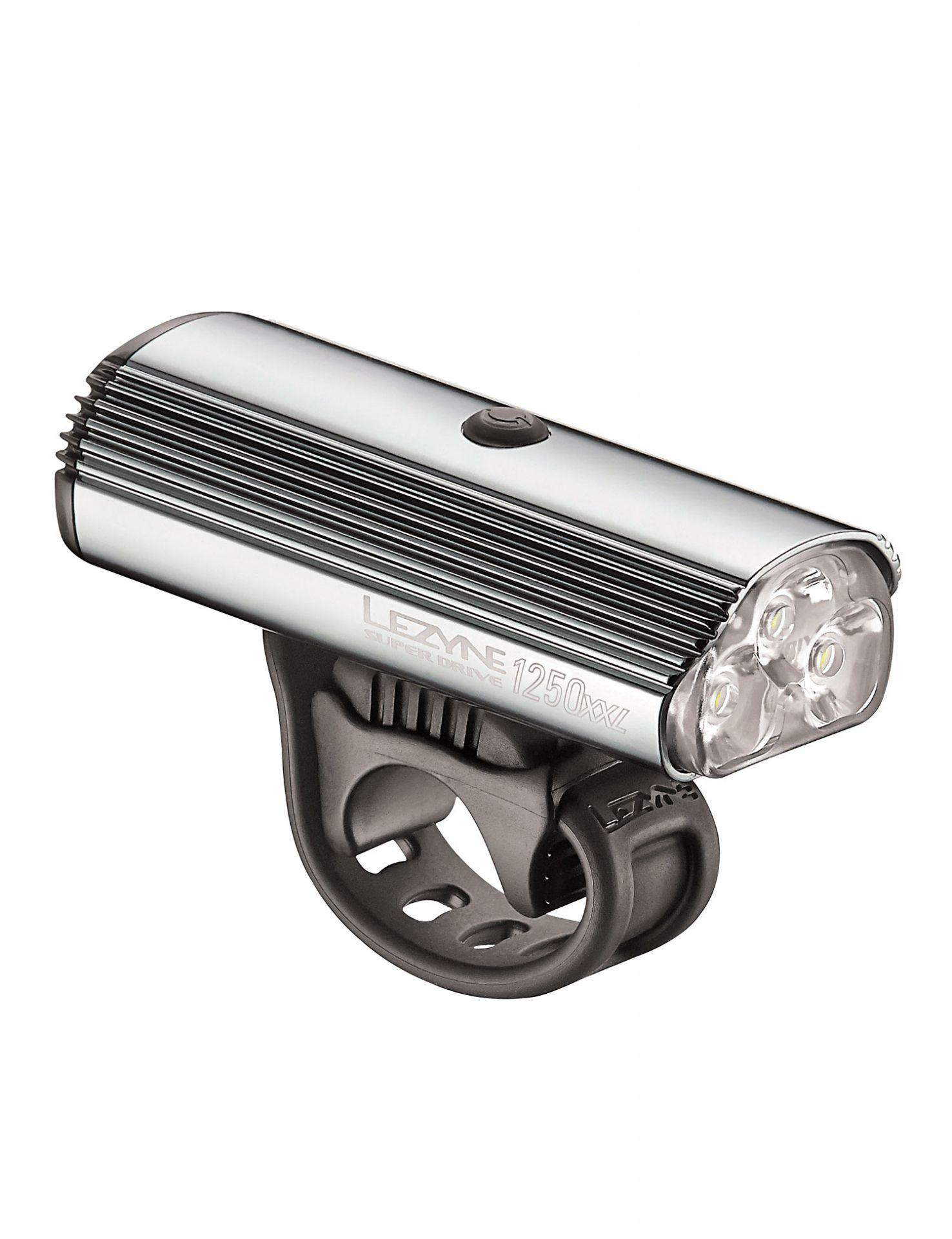 Éclairage avant Lezyne Super Drive 1250XXL Argent